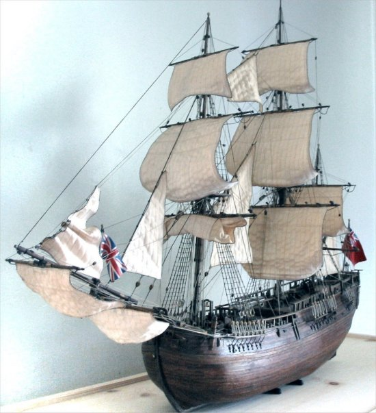 HMS Endeavour - rigging and sail details