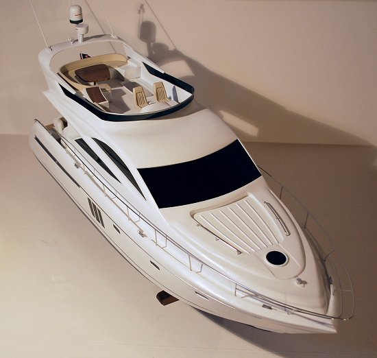 Fairline Phantom 48' motor-yacht
